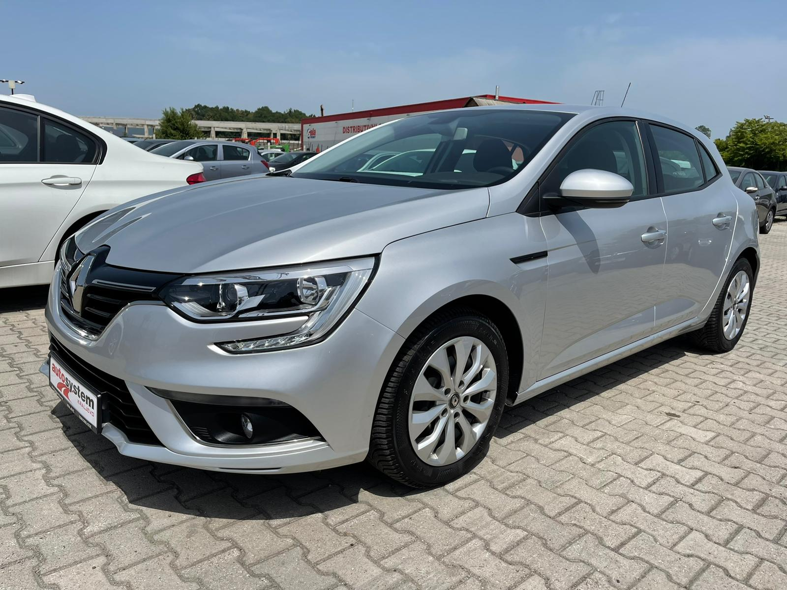 Renault Megane 1.5  DCI KREDITI NA LICU